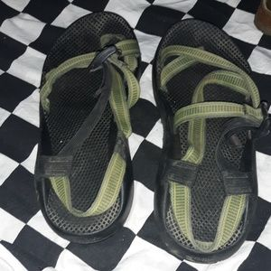 Mens chacos size 10